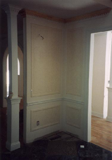 Applied molding wainscotting